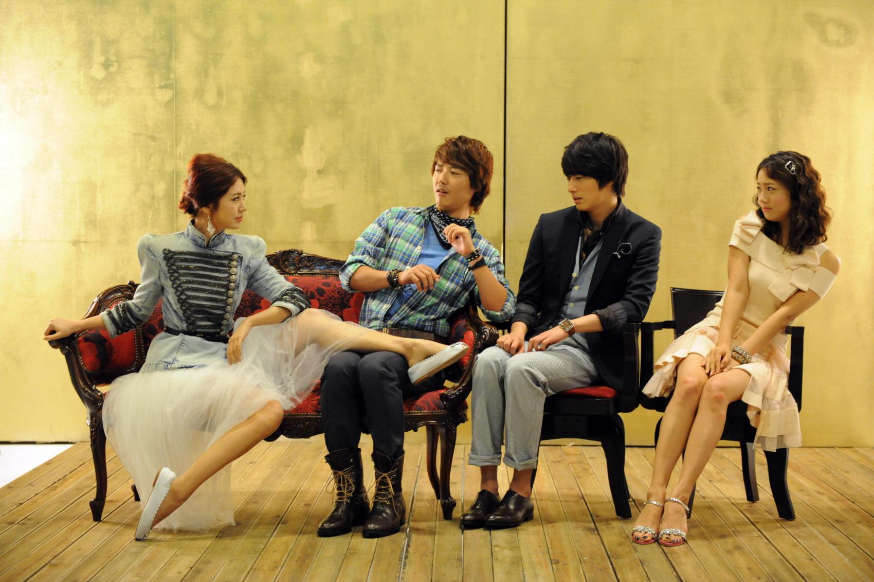 http://korean-cute.sosugary.com/albums/userpics/10001/12489267391862808694.jpg
