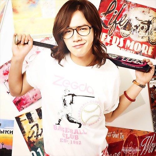 http://korean-cute.sosugary.com/albums/userpics/10001/228663_151227564947409_145448172192015_317806_45455_n.jpg