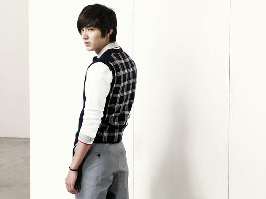 http://korean-cute.sosugary.com/albums/userpics/10001/94f11dc3.jpg