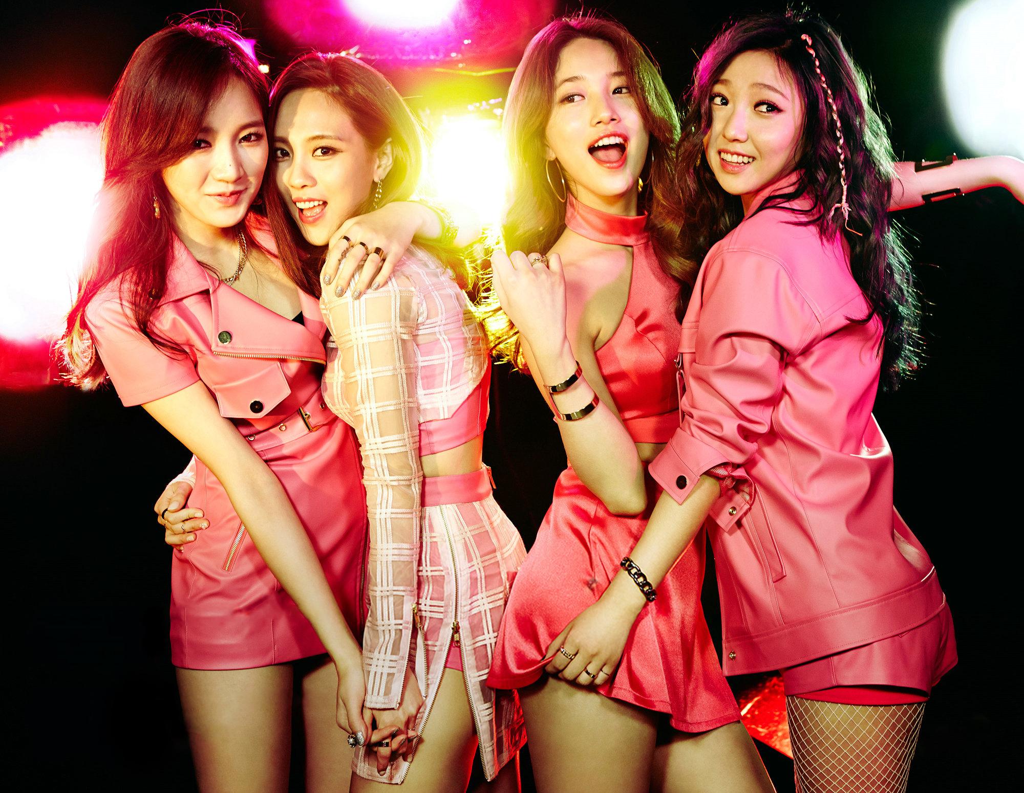 http://korean-cute.sosugary.com/albums/userpics/10001/ioJXCk2CCH4yj.jpg